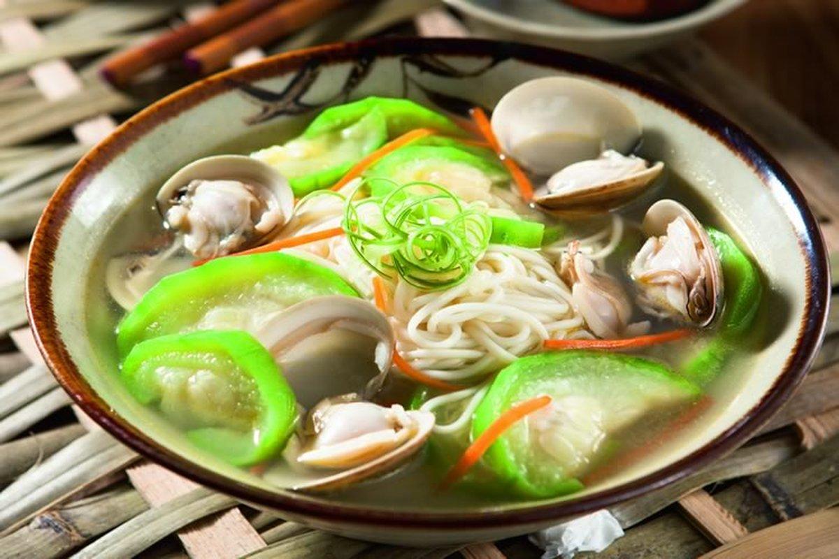 蛤蜊絲瓜湯麵