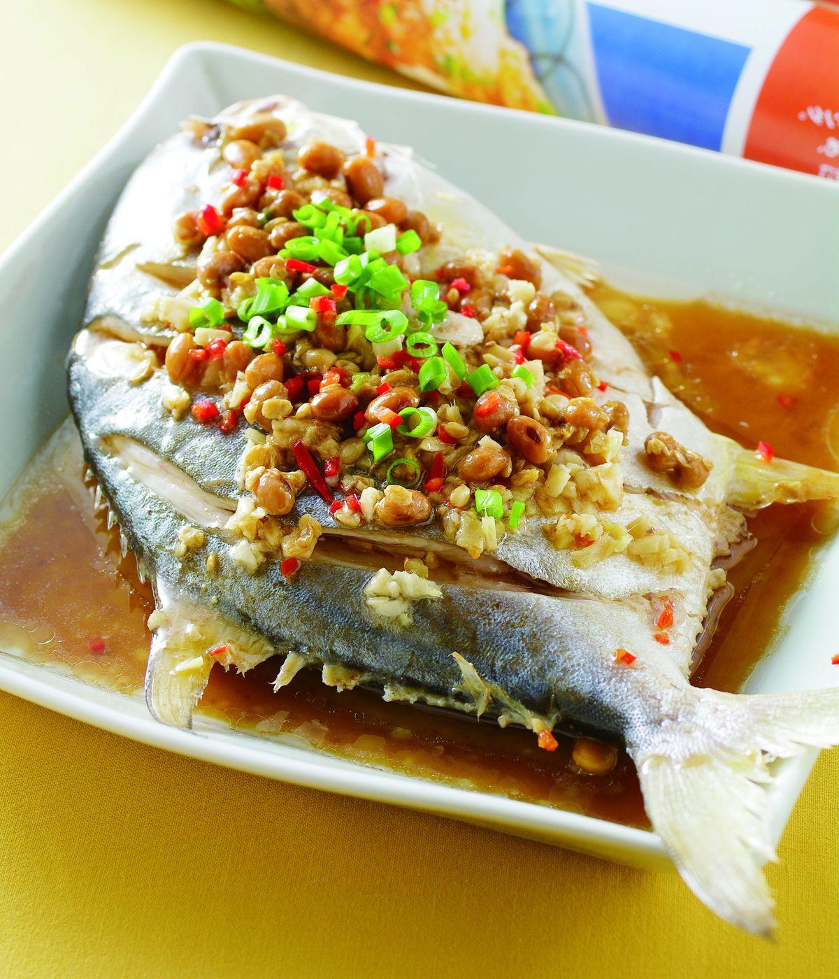 豆醬蒸金鯧魚