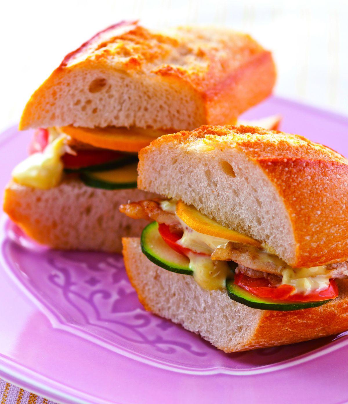 燻雞櫛瓜三明治